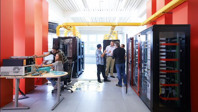 خدمات نصب و راه اندازی و پشتیبانی